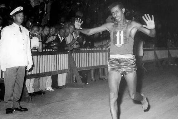 阿贝贝·比基拉-走进阿贝贝 比基拉 两届奥运马拉松冠军辉煌永驻图片