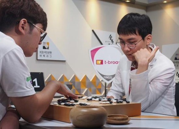 9月30日韩联赛第15轮,朴廷桓战胜了柳珉滢