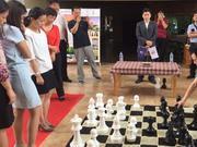 """混双赛推广国象场面热闹 棋后谢军""""赤脚""""出战"""