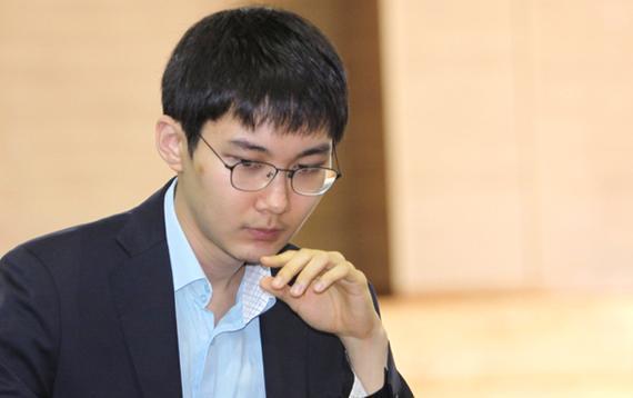 朴廷桓继续排名榜首