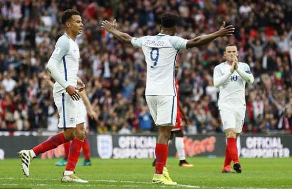 英格兰2-0连胜