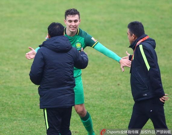 晚报:周琦准两双新疆男篮夺亚冠意大利乌拉圭历史战绩