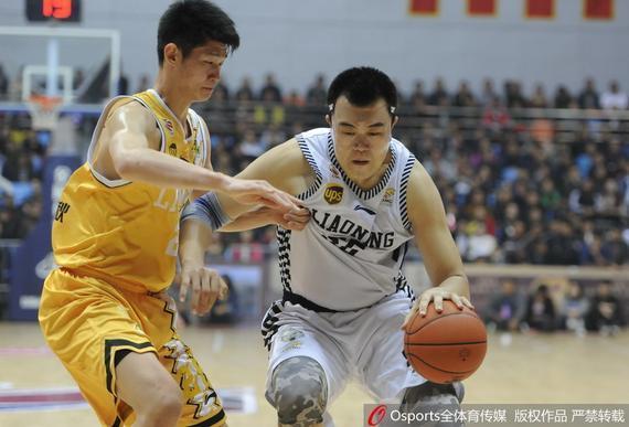 在CBA季前赛凤城赛区比赛中,辽宁106-90战胜广厦