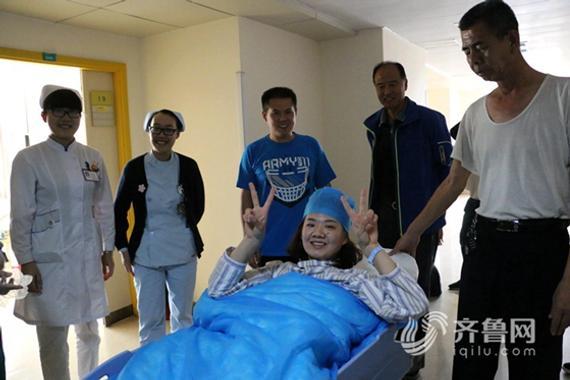 进手术室之前,杨方旭神情放松
