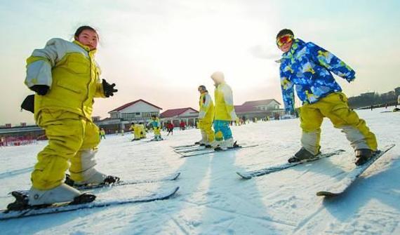 北京要求中小学生需掌握冰雪运动