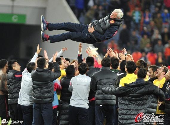 里皮深受中国球迷的喜爱