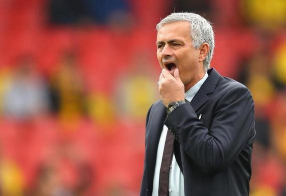 舒梅切尔认为曼联的阵容拖累了穆帅