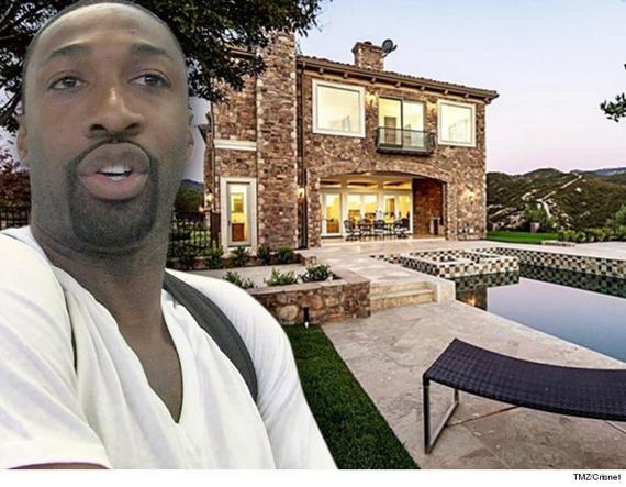 阿里纳斯出售豪宅