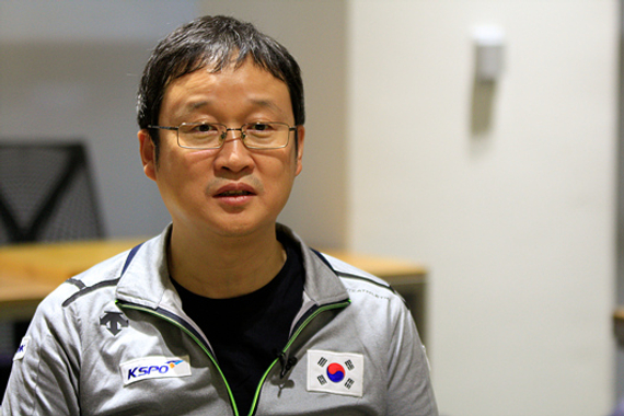 韩国棋院主教练刘昌赫九段