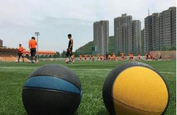 鲁能海北散训已用上真心球 练习从8千米朝跑开端
