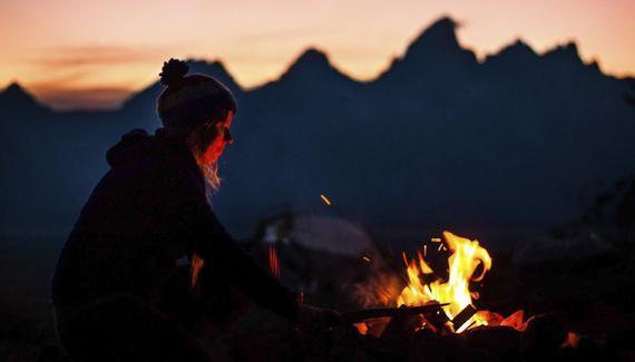 户外最好的救命稻草:5种点燃篝火最快捷方便的工具。