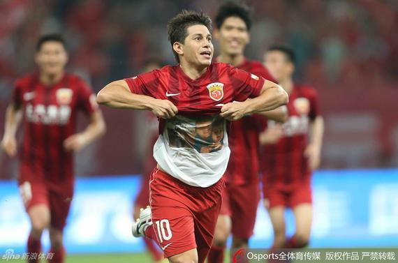 孔卡只要在中国踢球,就不会离开上港