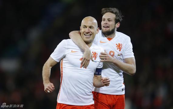 罗本回归荷兰队大名单