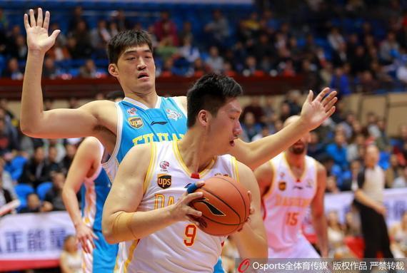 唐正东本场竞赛拿到21分12篮板