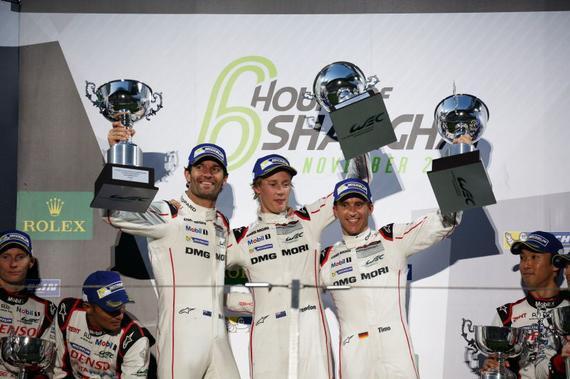 前F1车手马克·韦伯所在的1号保时捷车组夺得LMP1组冠军(图片来源:WEC官网)