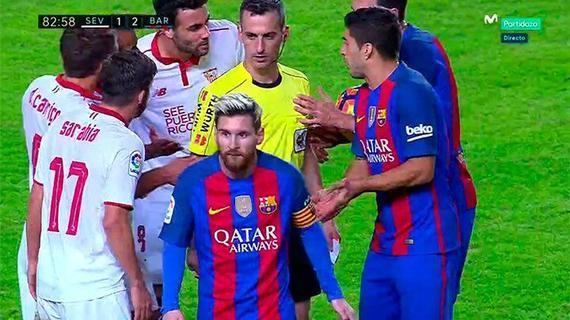 梅西被裁判出示黄牌