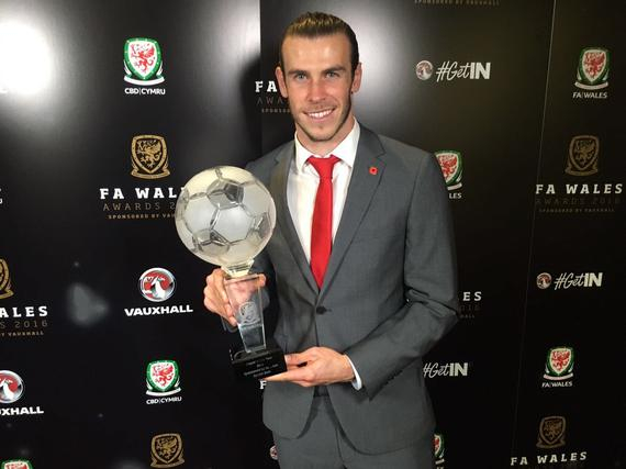 贝尔荣获威尔士足球先生