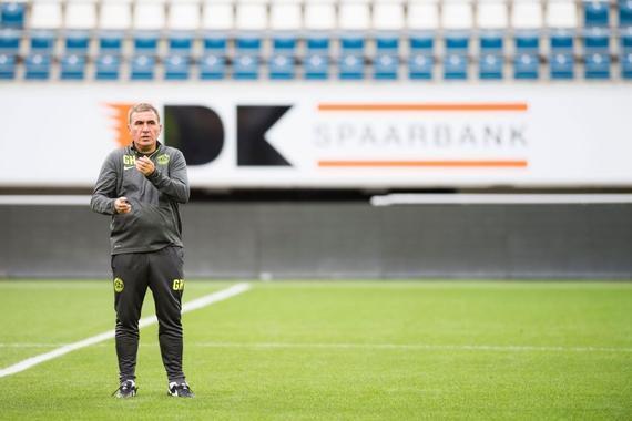 哈吉曾入选国际足协评选的FIFA100成员
