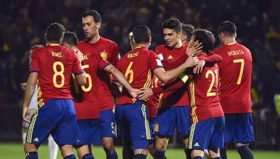 西班牙4-0大胜领跑