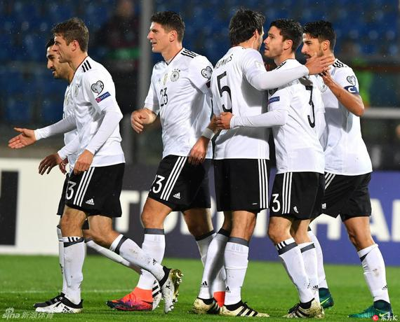 德国队8-0轻松击败圣马力诺