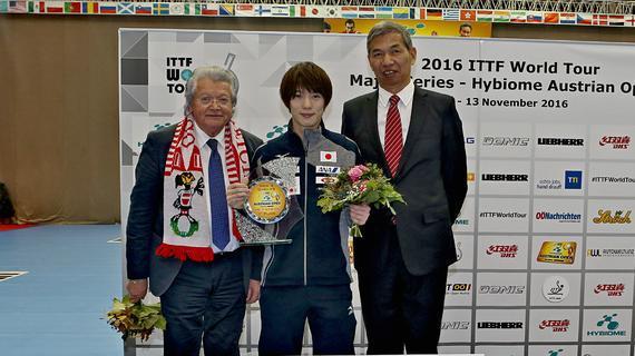 日本包揽三冠