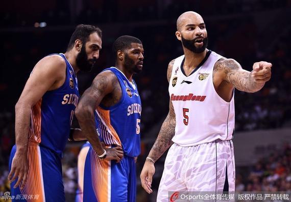 这到底是NBA还是CBA?
