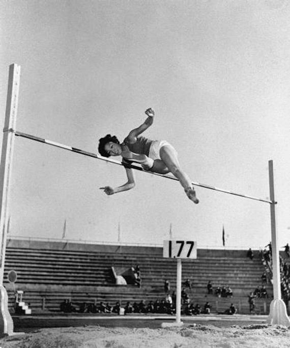 郑凤荣跳过1.77米