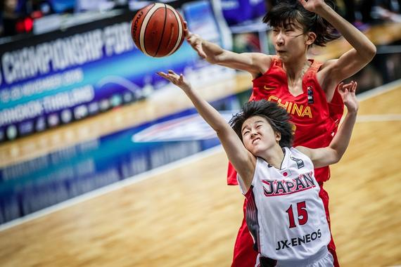 中国队内线优势明显(图片来源FIBA官网)