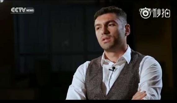 伊尔马兹近日接受了CCTV_NEWS体育报道的采访