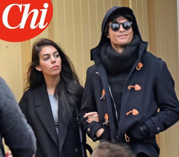 C罗与妖姬乔尔吉娜在巴黎街头逛街