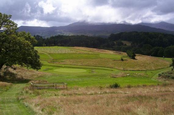 位于威尔士北部的多尔盖莱高尔夫俱乐部
