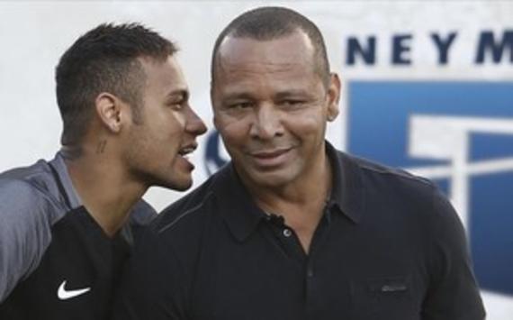 内马尔跟他的父亲遭到指控