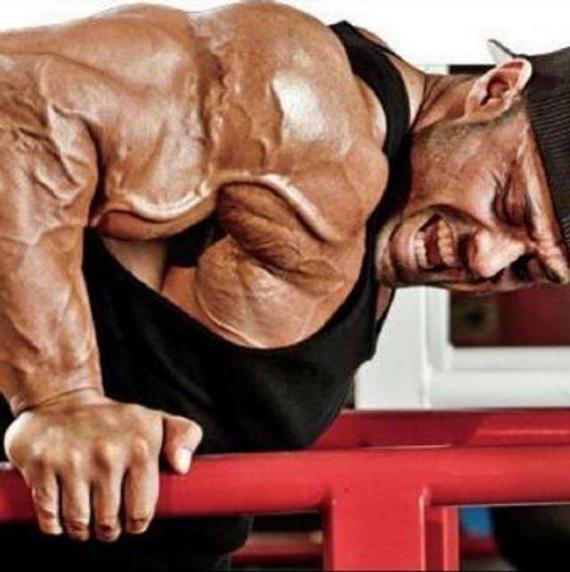全身肌肉爆筋是什么体验?膨胀的血脉吓死人