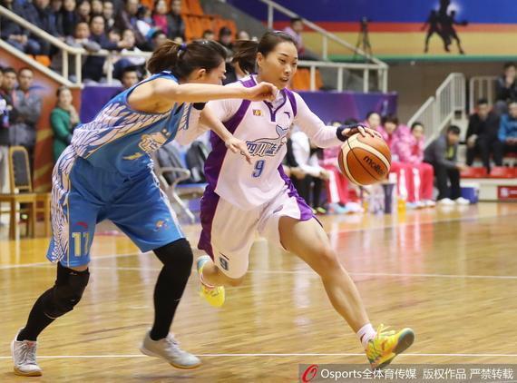 在WCBA比赛中,四川队战胜辽宁队。
