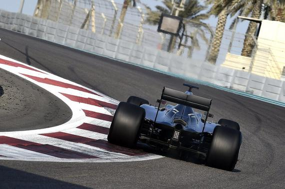 2017款F1轮胎测试在阿布扎比赛道展开