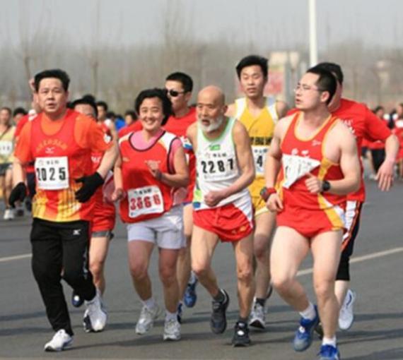 2017年郑开国际马拉松赛首日3万报名 火爆程度超历届