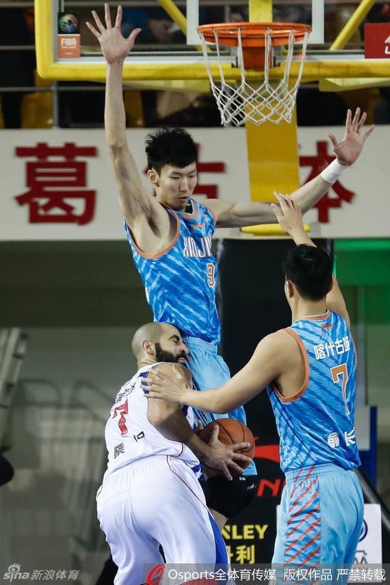 周琦成领跑数据榜唯一的中国球员
