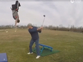 视频-这么架Tee你受得了?蹦床+高尔夫接力击球