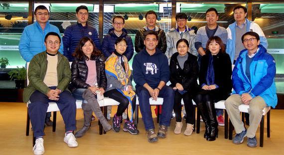 鹰之梦学院的创始人张帆回国进行媒体访谈