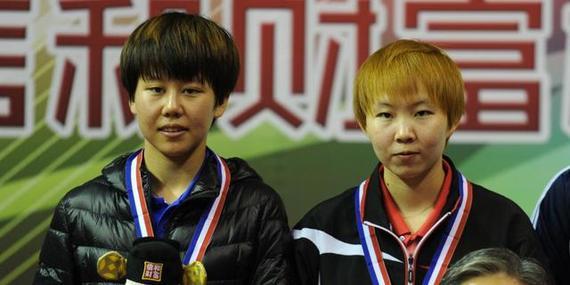 陈幸同(左)