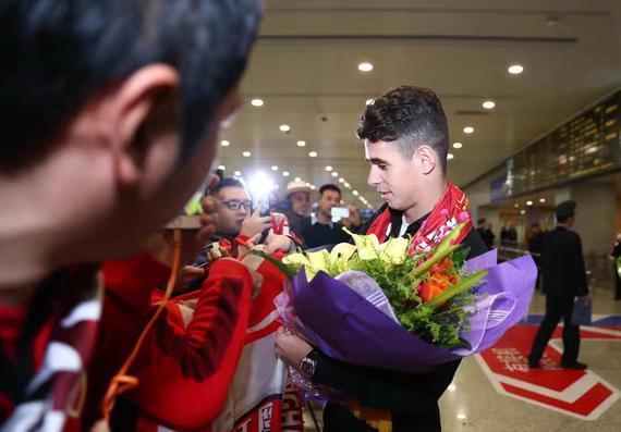 奥斯卡抵达上海
