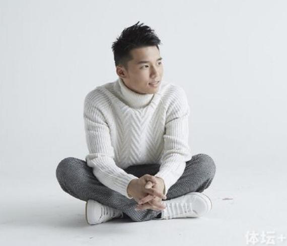 21岁的陈艾森
