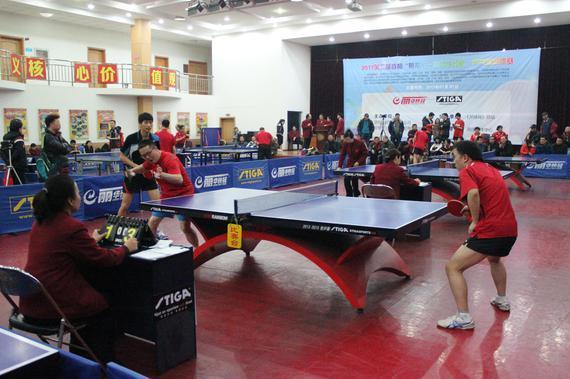 央视乒乓球专项记者李武军比赛中