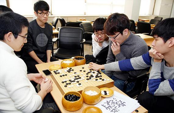 韩国棋手集体研究新版AlphaGo
