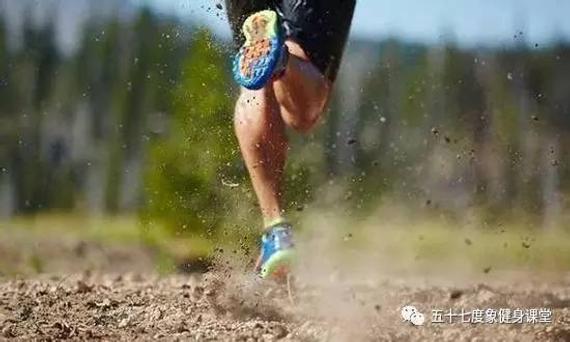 许多人跑步之前没有控制跑步瘦身的精确办法,不做拉伸静止
