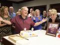 视频-金熊尼克劳斯迎77岁生日 与亲友共唱生日歌