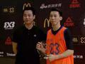 视频-3X3黄金联赛深圳站颁奖 钟显超成功加冕扣篮王