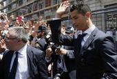 皇马夺西甲冠军获马德里大区主席接见