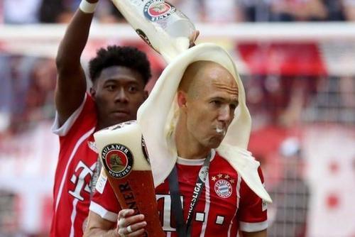 拜仁的啤酒浴庆祝