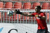 西甲首轮前瞻马德里竞技进行赛前训练